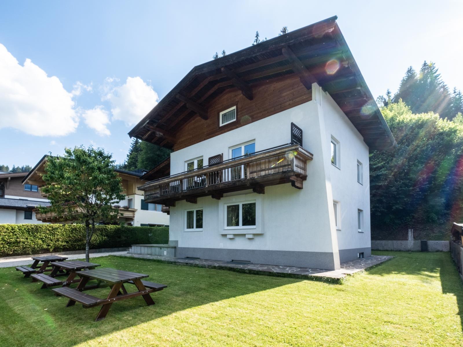 Gruppenhaus am Skilift - 21 Personen